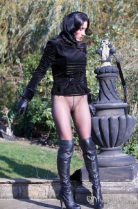autumn wiggle thighboots eather gloves walk