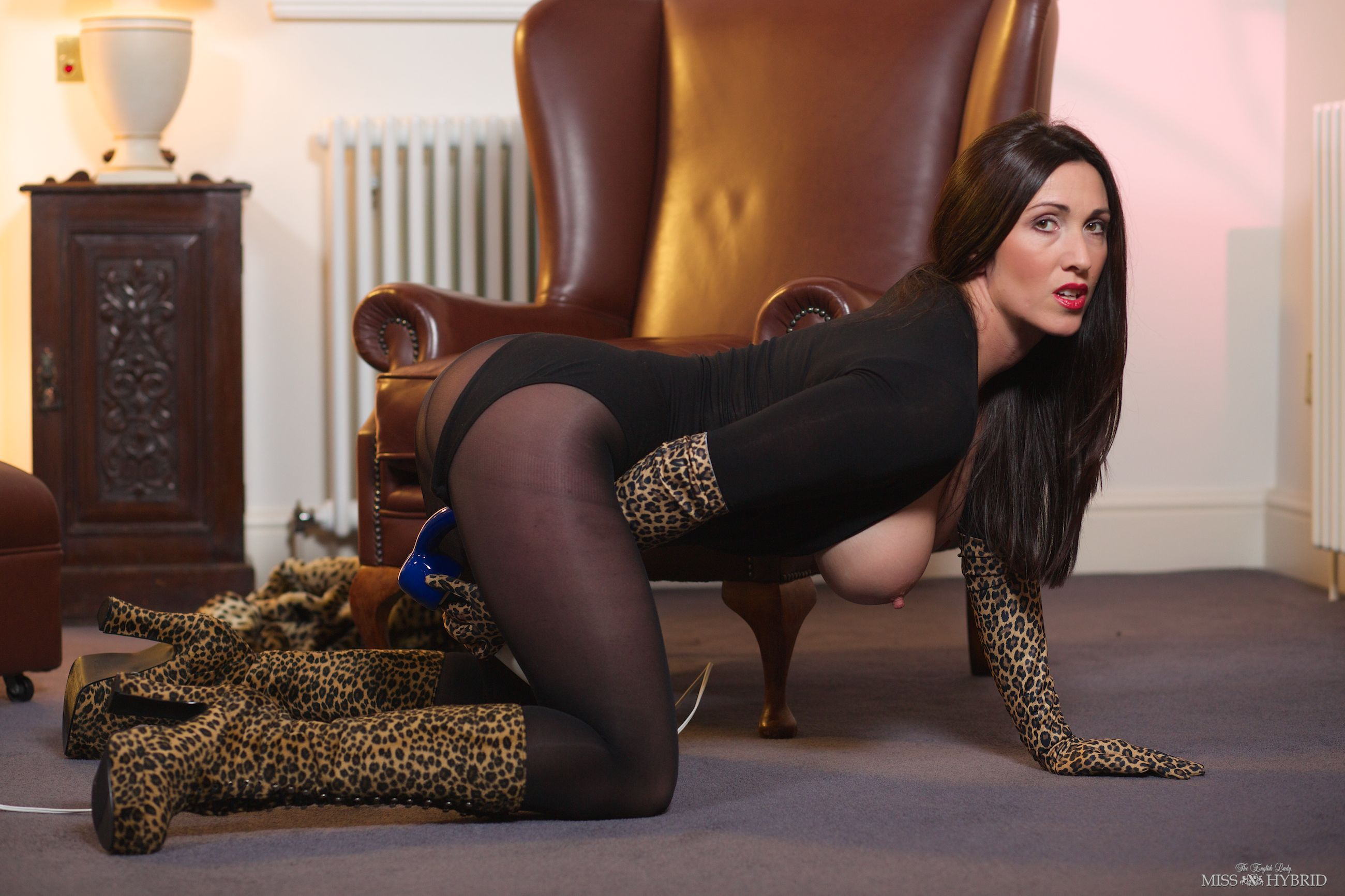 Leopard Boots and Gloves, Miss Hybrid, Magic wand, video
