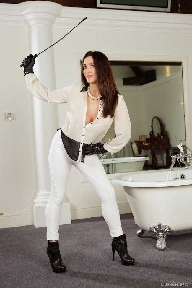 Miss Hybrid piss wet through in jodhpurs and ankle boots.