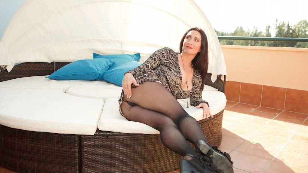 Miss Hybrid nylon pantyhose and huge tits.