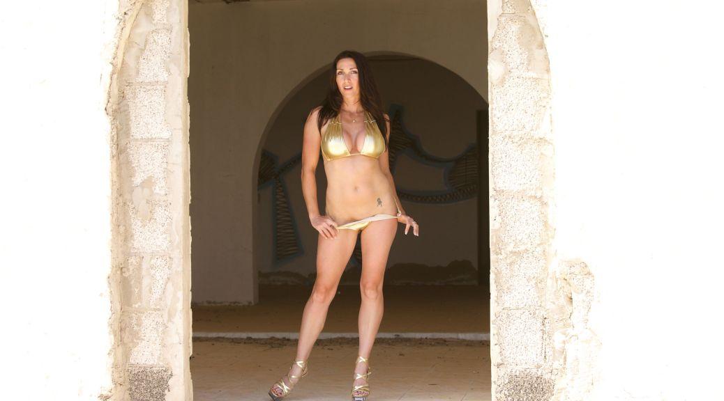 Gold Bikini, Miss Hybrid, outdoors, stilettos, high heels