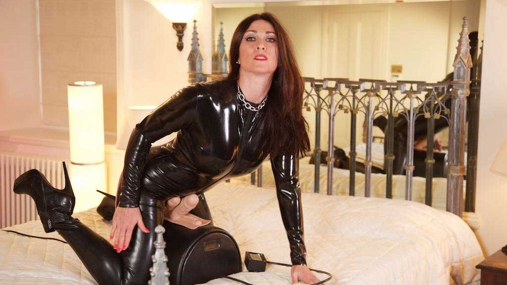 latex catsuit ride with Miss Hybrid