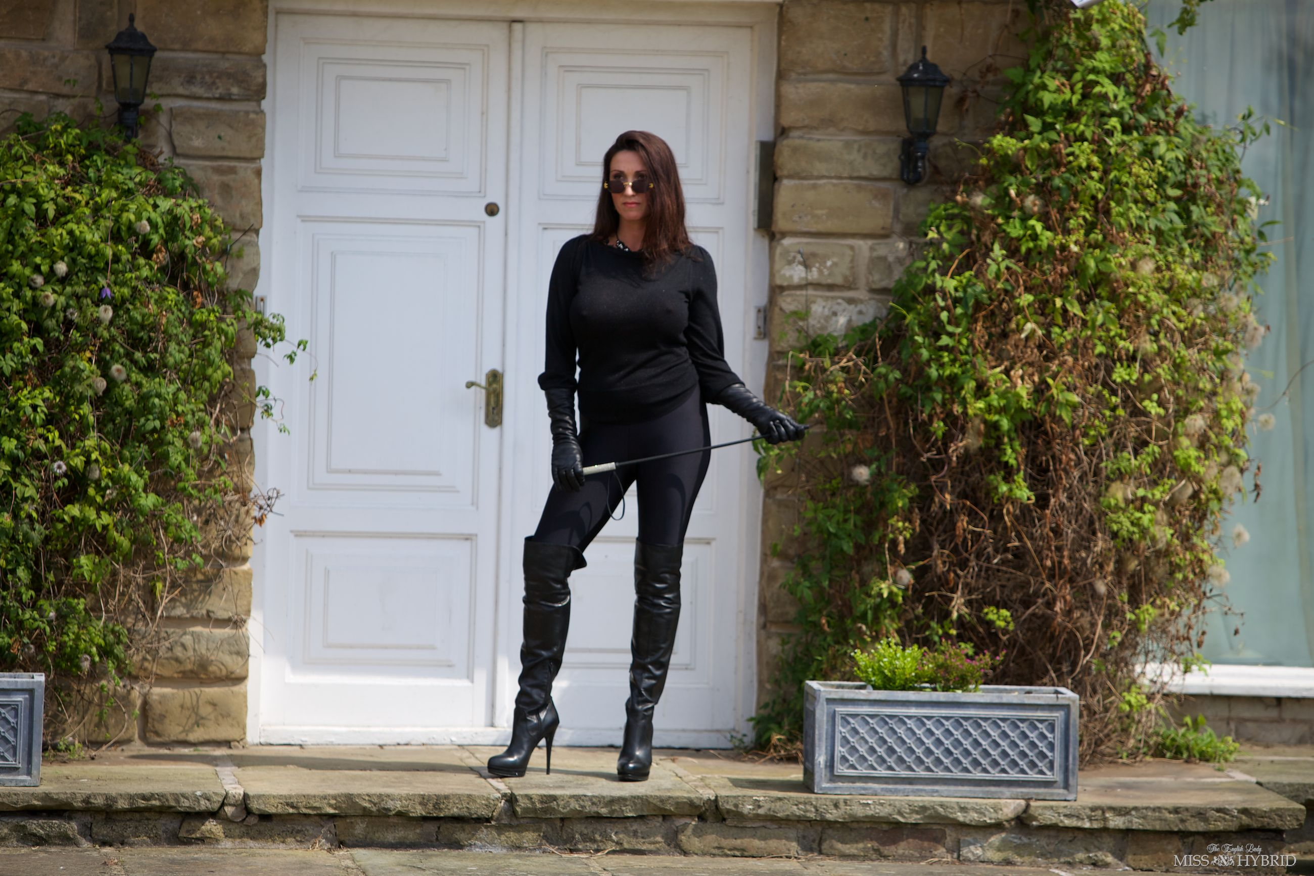 lycra leather boots, Miss Hybrid, gloves, riding crop, outdoors