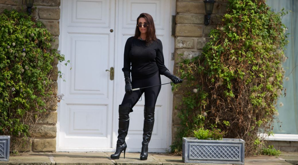 leather booted tour, Miss Hybrid, boots, lycra, riding crop, leather, busty, voluptuous