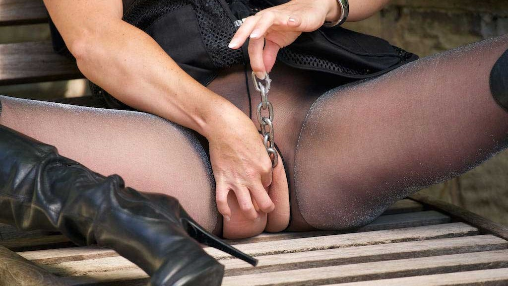 Miss Hybrid chained pussy and blowjob.