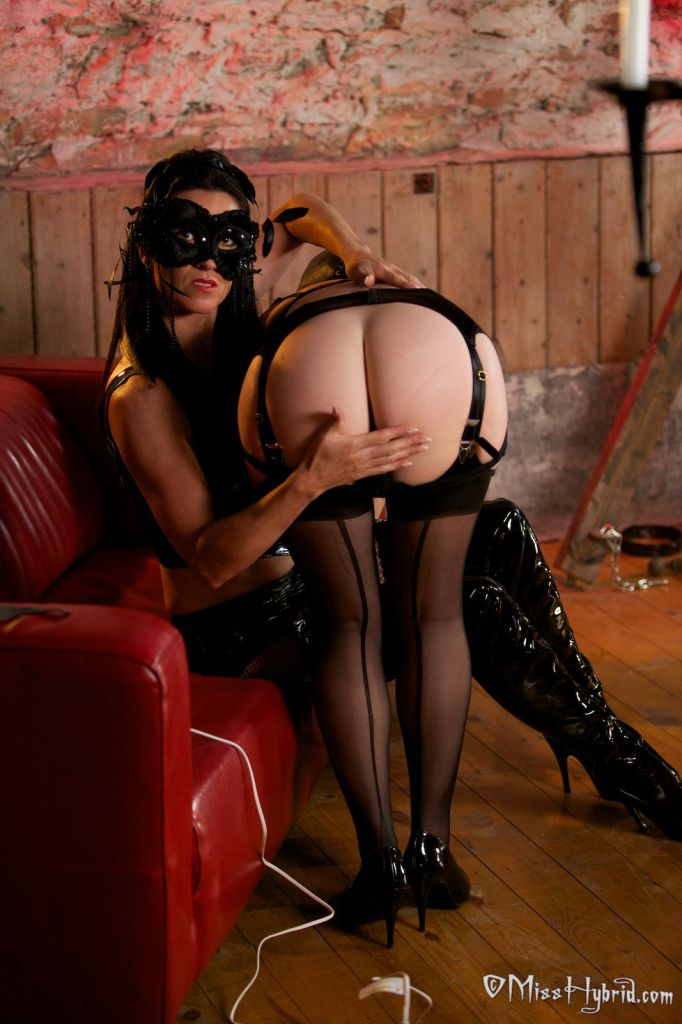 Miss Hybrid Wanking Hard, lesbian, pet, stockings, nylons, boots, stilettos