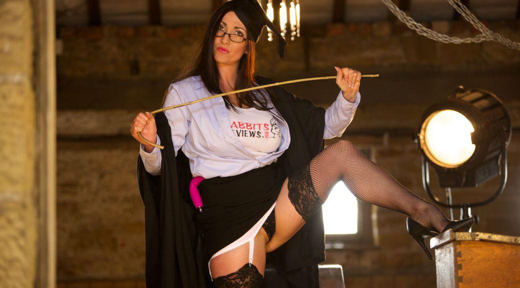 strict mistress, Miss hybrid, stockings, nylons, fishnets, stilettos